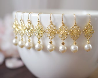 Bridal Pearl Earrings. Set of Five (5) Swarovski Cream Ivory Pearl Gold Flower Earrings. Wedding Bridal Earrings. Bridesmaids Gift