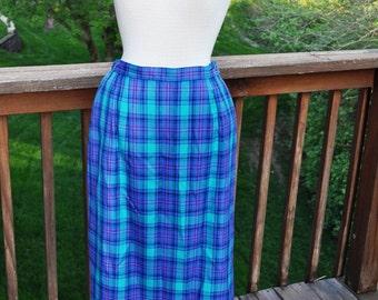 Vintage Pendleton Skirt.  Size 6 Teal Plaid skirt. Elastic Waist skirt with Pockets.