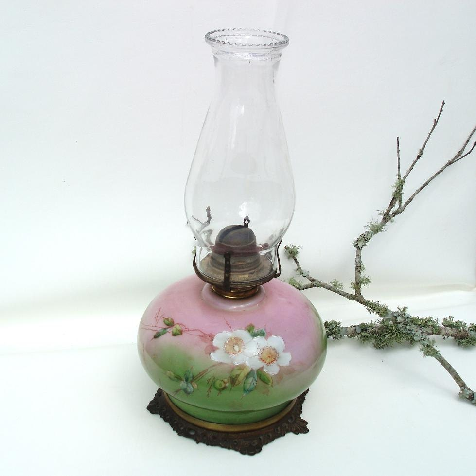 Hurricane Lamp Antique Oil Lamps Gone With The Wind Victorian