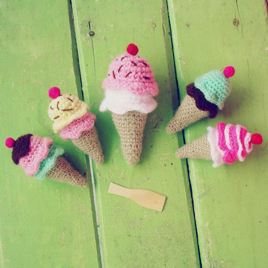 Mini Ice Cream Amigurumi : Crochet amigurumi Ice Cream Pattern PDF rattle toy baby