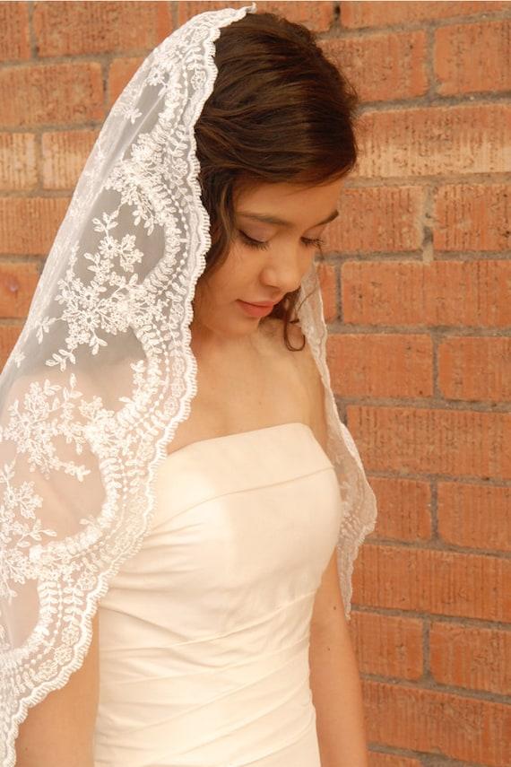 Lace Mantilla Wedding Veil -Spanish Style Veil - Romantic Veil ...