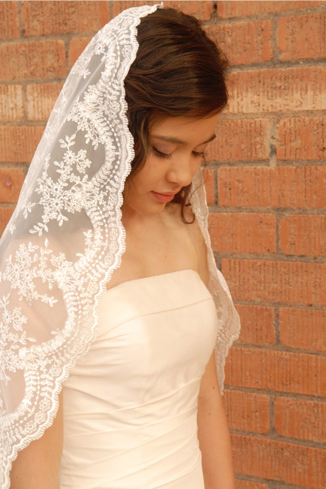 Lace Mantilla Wedding Veil Spanish Style Veil Romantic Veil