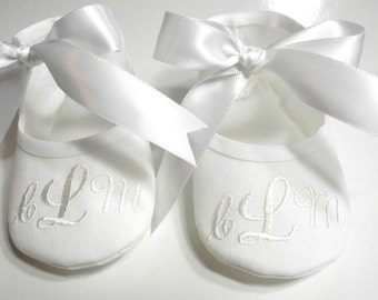 Personalized Baby Gift- Baby Shoe- Baby Shower Gift- Monogrammed Shoes- Birthday Shoes- Christmas Gift- Newborn Baby Gift- Newborn Keepsake