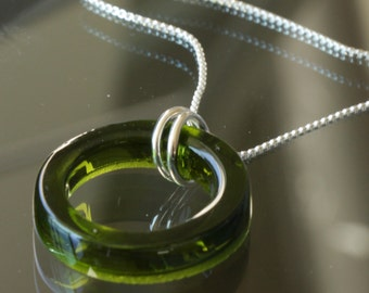 EMERALD GREEN WINE Bottle Necklace, Recycled Fused Glass Necklace, Free Shipping, Dessin Creations