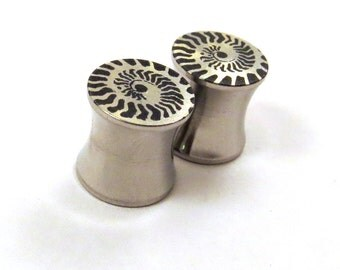 """Ammonite Stainless Steel Plugs - 2g 0g 00g 7/16"""" (11mm) 1/2"""" (13mm) 9/16"""" (14mm) 5/8"""" (16 mm) 3/4"""" (19mm) 7/8"""" (22mm) 1"""" (25mm) Ear Gauges"""