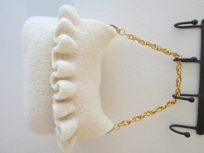Knit Pattern Ruffle Bag : Ruffle Knit Purse Pattern