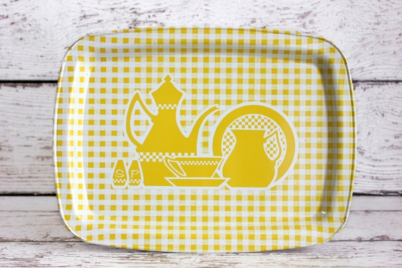 Vintage Metal Tray Yellow White Kitchen Scene Lap TV Vanity Serving