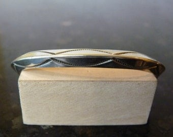 SALE Vintage Silver Unique Ridge Bangle Cuff Bracelet with Engraved Pattern