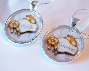Wedding Wine Charms, Bride Groom, Wine Charms, table setting, silver plate, gold bow, barware, Wedding Shower, Bridal Shower (2065)