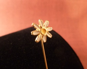 Daisy Hat pin