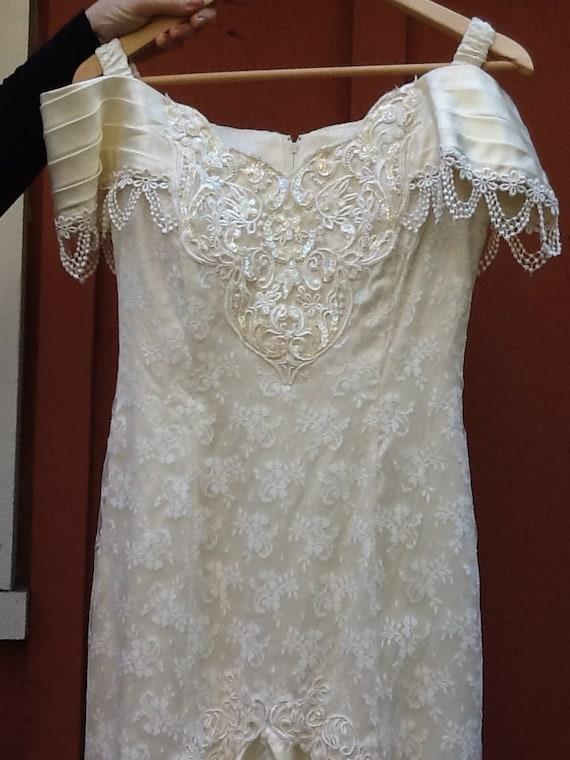Sale vintage wedding dress jessica mcclintock dress for Retro wedding dresses for sale