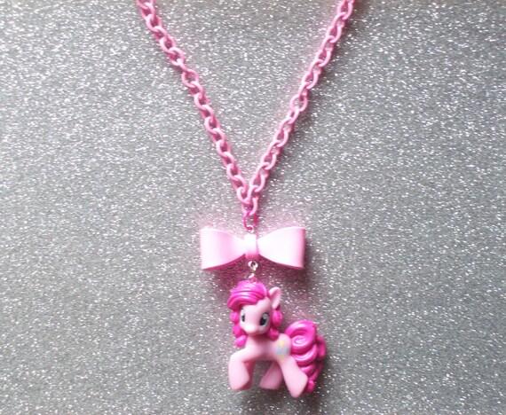 Pretty Pinkie Pie Necklace