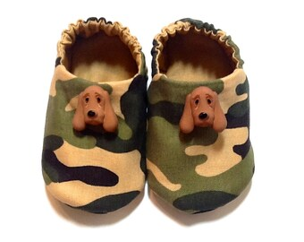 Camouflage Baby Boy Shoes with Hound Dogs, 0-6 mos. Baby Booties, Soft Sole Shoes, Crib Shoes, Slip on Baby Shoes, Camo Baby, Baby Boy Gift
