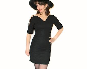 Vintage Dress. 60s Little Black Dress LBD Mini Dress. New Years Eve. Size Small. Mad Men Fashion. Party Dress. Cocktail Dress. Sheath Dress