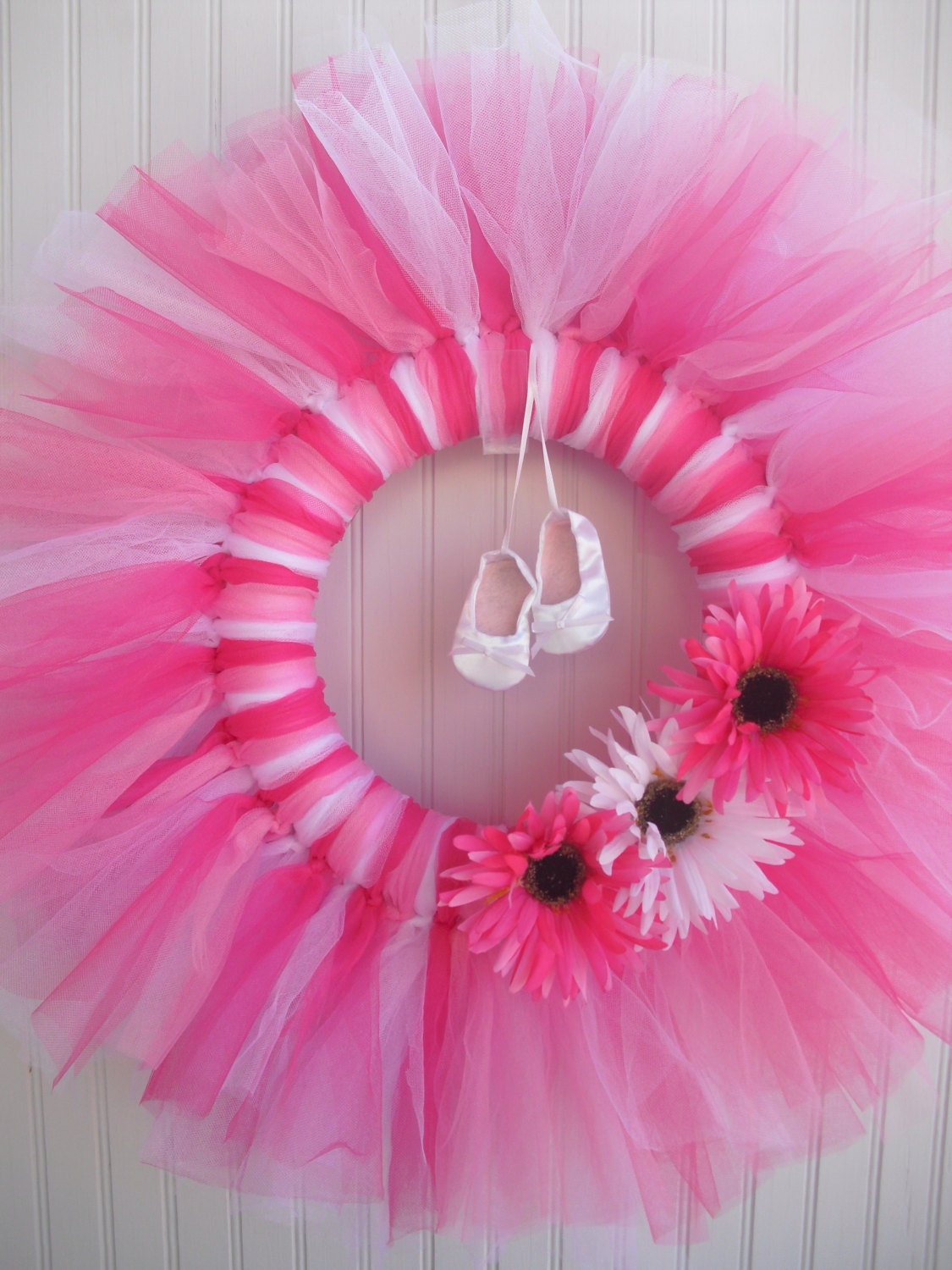 Items similar to ballerina tulle wreath on etsy for Ballet shoes christmas decoration