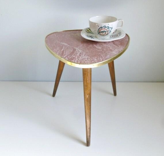 Mid Century Modern Tripod Coffee Table Red By Mungoandmidge