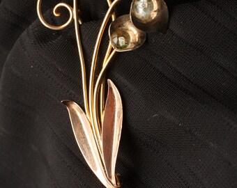 Elegant 1940s Van Dell 12K GF Floral Brooch with Glass Spheres
