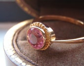 Vintage Super Pretty Pink Faux Sapphire, Solid 9K Yellow Gold Dress Ring. Cocktail Ring. Right Hand Ring.