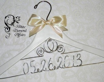 Cinderella Fairytale Coach Wedding Dress Hanger, Disney Themed Princess Carriage Personalized Bridal Hanger, Bridal Gift - Wire Name Hanger