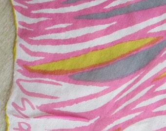 GLORIOUS SCARF Variations in Pink by Vera Nuemann