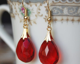 Red and Gold Earrings , Bridesmaids Earrings , Ruby Red Earrings , Red Dangle Earrings , Christmas Earrings