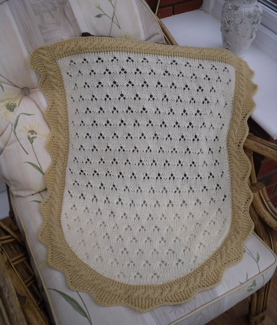 Knitting Pattern Moses Basket Blanket : knitted baby blanket car seat / Moses basket size small