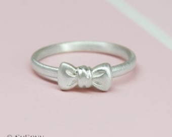 Bow ring in Sterling silver, Ribbon Ring in sterling silver, Fine silver bow ring, Gift for Her