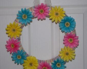 "12"" Multicolor Daisy Yarn Wreath"
