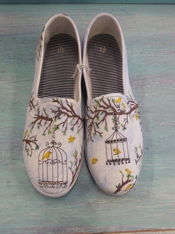 intricate hand drawn vintage birdcage decorated womens canvas