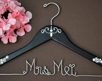 WEEKEND SALE. Personalized Bridal Wedding Hanger. Bridal Party. Custom Hanger. Pearl and Crystal Embellishment.