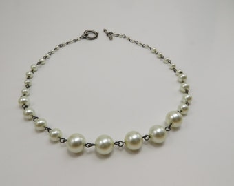 Simple and Classic Glass Pearl Necklace - READY TO SHIP - Everyday Jewelry - Handmade Necklace