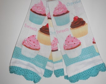 Kitchen Towel, Crochet Edging, Cupcakes, Retro Kitchen, Aqua and Pink