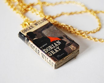 Dorian Gray's mini book necklace