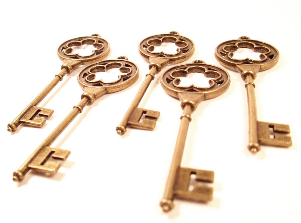5 brass skeleton keys antique look aged gold key focal for Antique looking keys