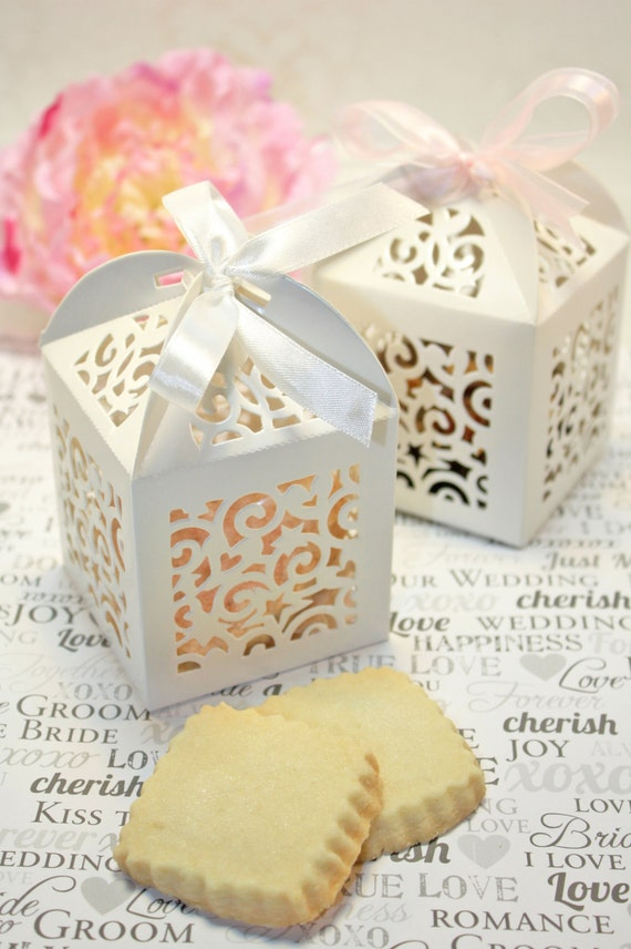 ... Cookie Favor Boxes - 30 White Boxes - Bridal or Wedding Favors