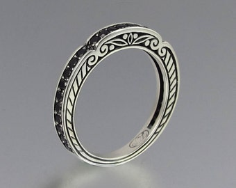 CARYATID band in sterling silver with black spinel
