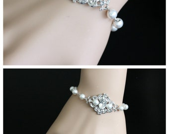 White Pearl Bracelet Bridal Bracelet Swarovski Pearl and Crystals Vintage style Bracelet Wedding Jewelry LEILA