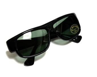 1980s Wide Black Deadstock Sunglasses - Simple Classic Look - Dark Lenses