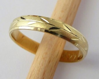 Unique gold wedding ring mens womens wedding band with leaves