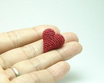 tiny crochet heart - dollhouse decor amigurumi