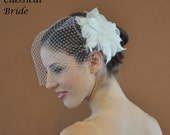 "Bandeau 904 -- ""HIBISCUS"" VEIL SET w/ Flower Feather Fascinator Hair Clip & Ivory or White 9"" Birdcage Blusher Veil for bridal wedding"