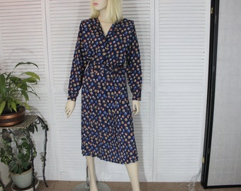 Vintage Long Blue Floral Day Dress Size 8P by Leslie Fay