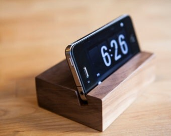 iPhone Stand / iPhone Docking Station / iPhone 4, 4S and 5