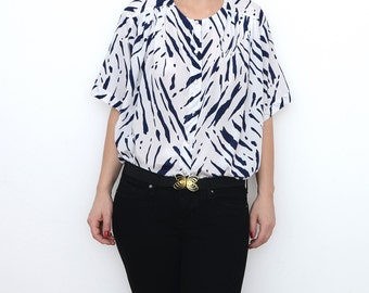 Vintage white blouse with blue zebra stripes / animal print / short sleeve / women shirt