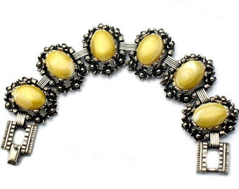 Selro Style Bracelet Yellow Lucite Flower Vintage Jewelry Collectible  Yellow Flower Bracelet Unsigned Possible Selro