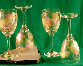 Shamrock Wine Glasses / Set of 4 /  Irish / St Patrick's Day Decor