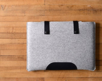 "MacBook Pro Sleeve - Grey Felt and Black Leather Patch, Straps for the New 13"" MacBook Pro or 15"" MacBook Pro"