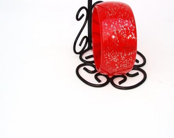 Vintage Lucite Confetti Bangle / Red Orange Wide Bracelet Cuff with Silver Sparkles