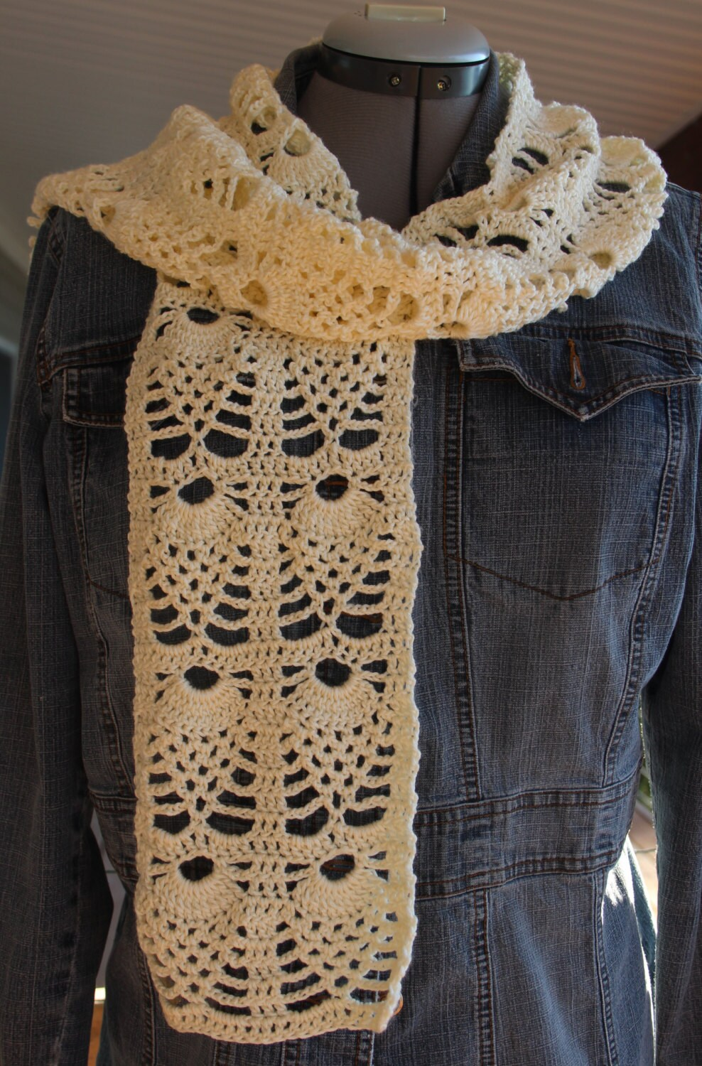 Pineapple creme lightweight lace scarf crochet pattern zoom bankloansurffo Image collections