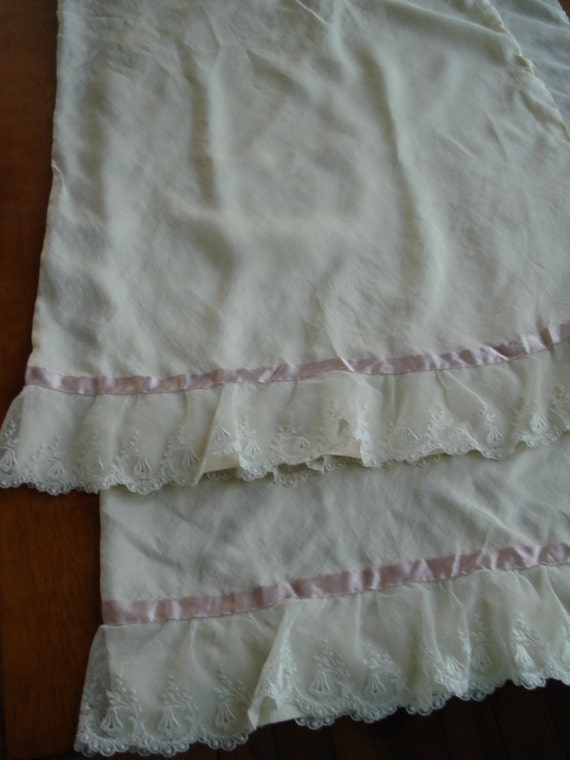 Vintage 1950s Silk Pillowcases With French Lace 2013211